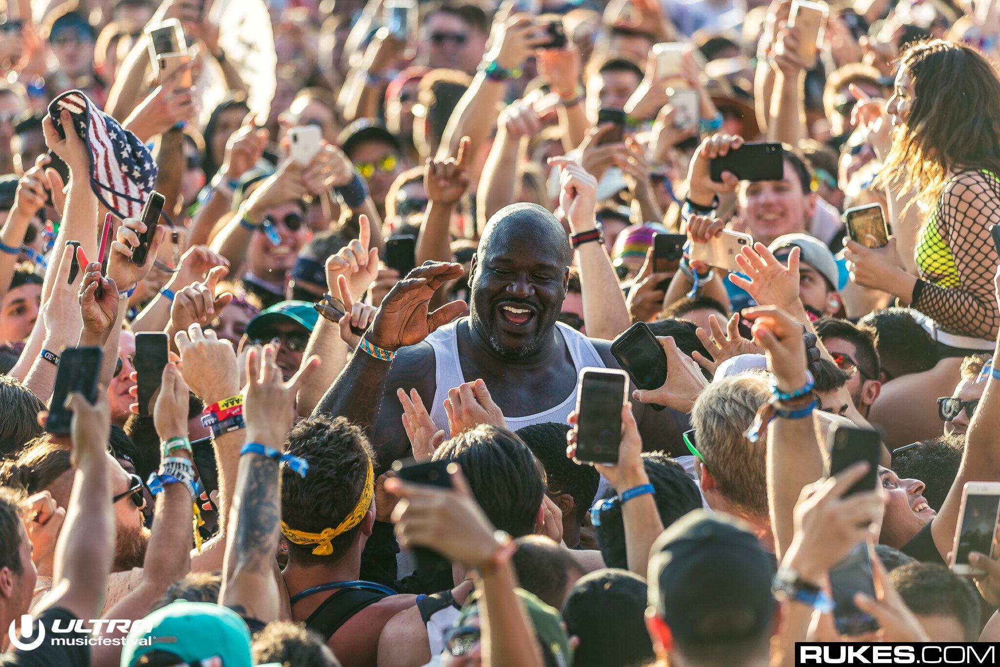 Here's Footage of Shaq in a Mosh Pit