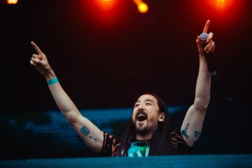tomorrowland steve aoki