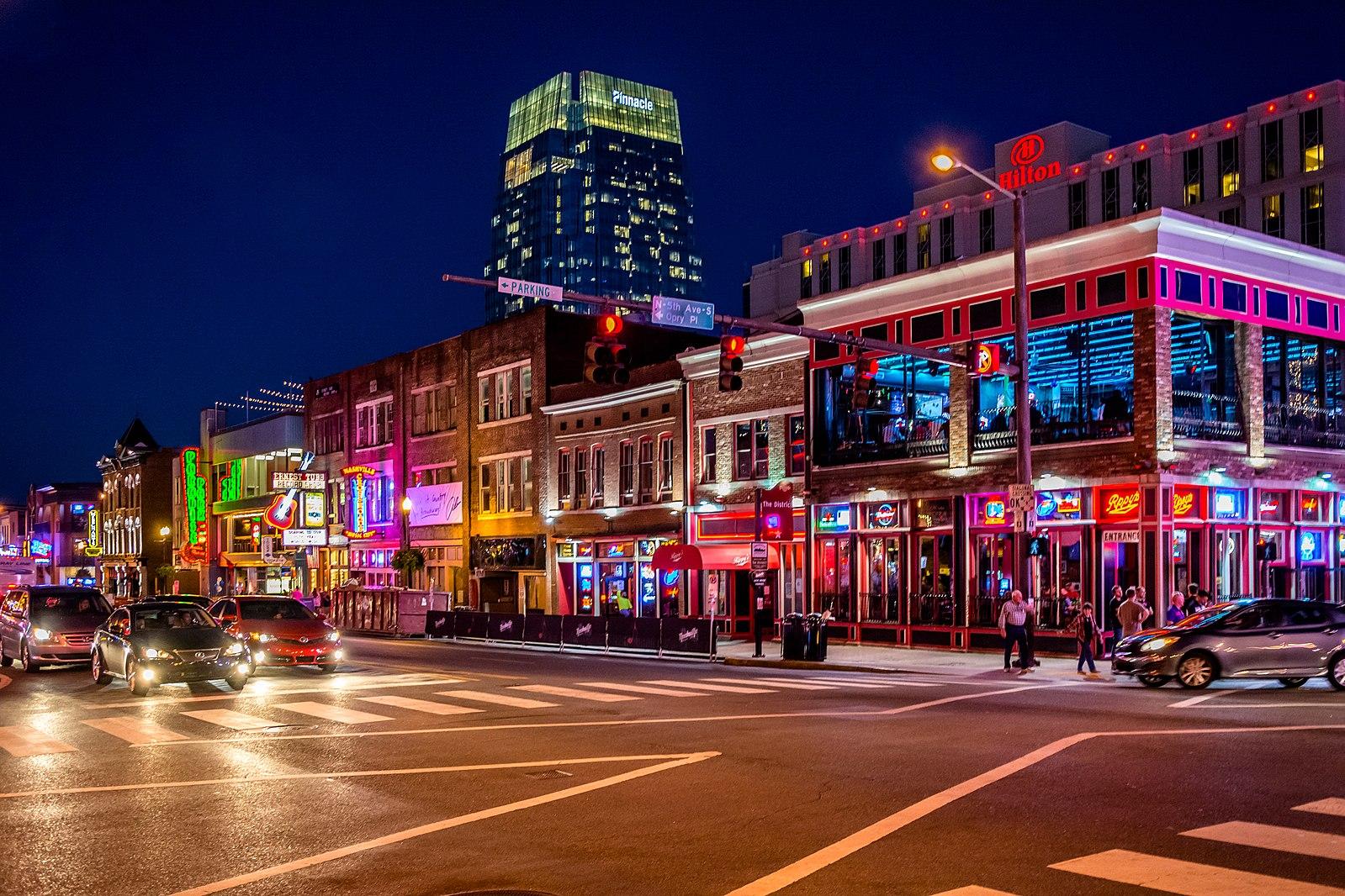 "https://www.youredm.com/ ""srcset ="" https://www.youredm.com/wp-content/uploads/2020/05/1599px-Broadway_Nashville_lights.jpg 1599w, https://www.youredm.com /wp-content/uploads/2020/05/1599px-Broadway_Nashville_lights-1024x683.jpg 1024w, https://www.youredm.com/wp-content/uploads/2020/05/1599px-Broadway_Nashville_lights-768x512.jpg 768w, https : //www.youredm.com/wp-content/uploads/2020/05/1599px-Broadway_Nashville_lights-1536x1024.jpg 1536w, https://www.youredm.com/wp-content/uploads/2020/05/1599px- Broadway_Nashville_lights-360x240.jpg 360w ""tailles ="" (largeur max: 1599px) 100vw, 1599px ""/></div> </div> <section class="