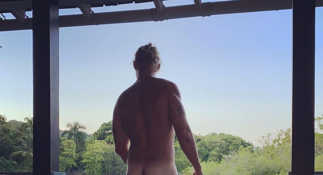 Diplo Strips Naked And Urges Everyone To Register To Vote