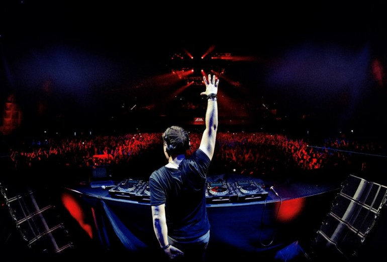 "Hardwell's ""I Am Hardwell"" Amsterdam Liveset & Download"