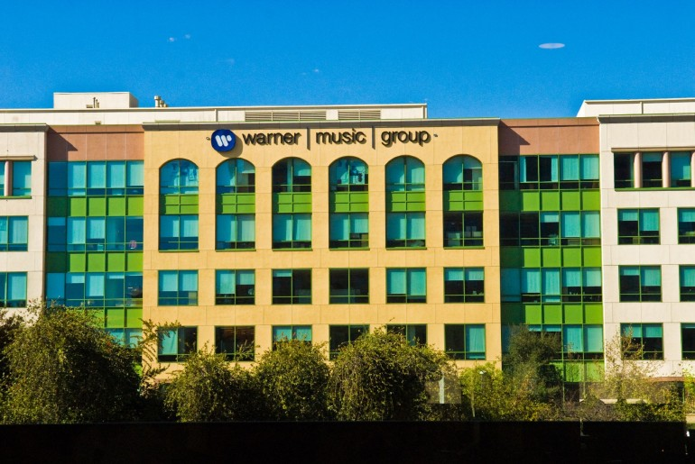 Warner Music Group Faces 3,000 Interns In Major Lawsuit