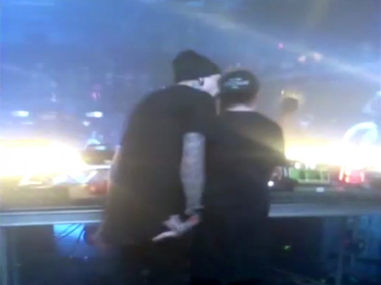 Oscar Wylde additionally Caked up besides Oscar wylde together with Best Dubsteps Mix Ever 2013 as well L V Family. on oscar caked up remix