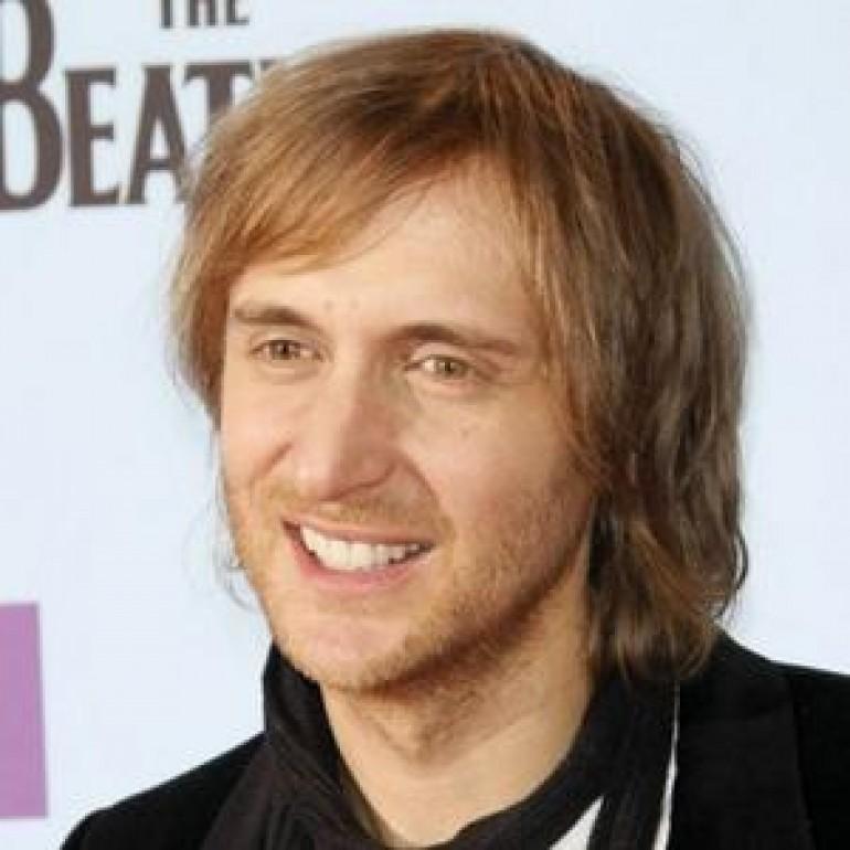 David Guetta Wins First Best EDM Artist Award at the AMAs
