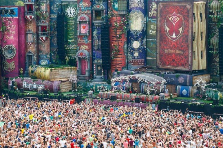 Tomorrowland 2012 Live Stream with Set Downloads (Continuously Updated)